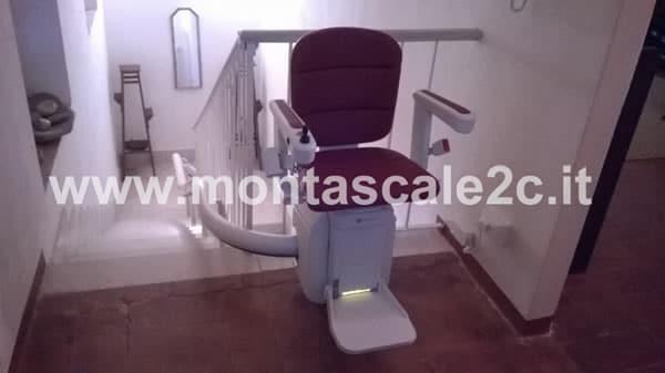 Montascale curvilineo monoguida per persone con disabilità Montascale 2c