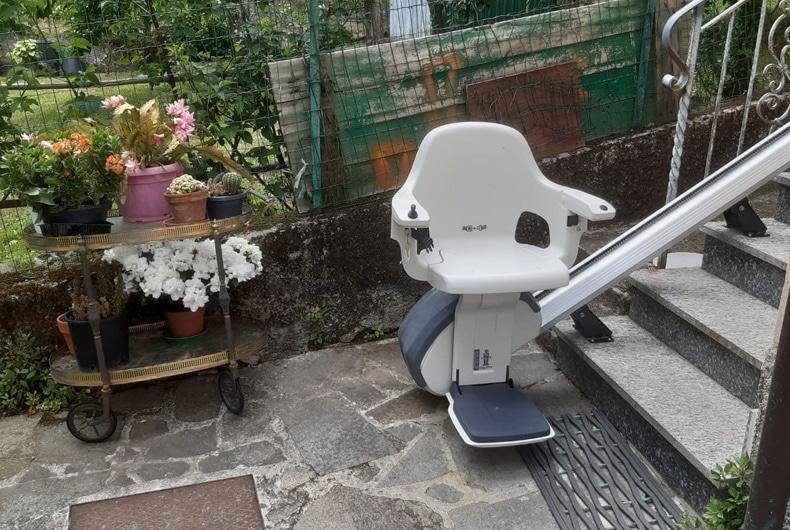 Assistenza montascale a Busalla in villetta con giardino